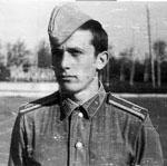 Сергей Родионенко (в пилотке)