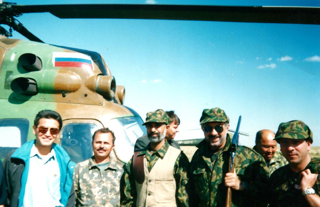 Кирсан Илюмжинов с охотниками