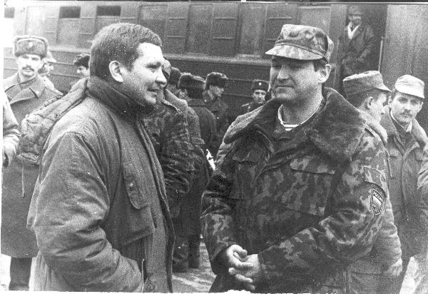 Виктор Петров и Александр Ярославцев на встрече из Чечни 81 полка